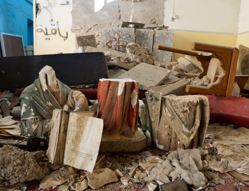 IRAK: Junge Muslime setzen Kirchen in Mossul wieder in Stand