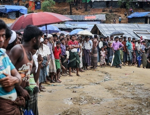 """MYANMAR: Weiße Rosen für die """"Fremden"""""""